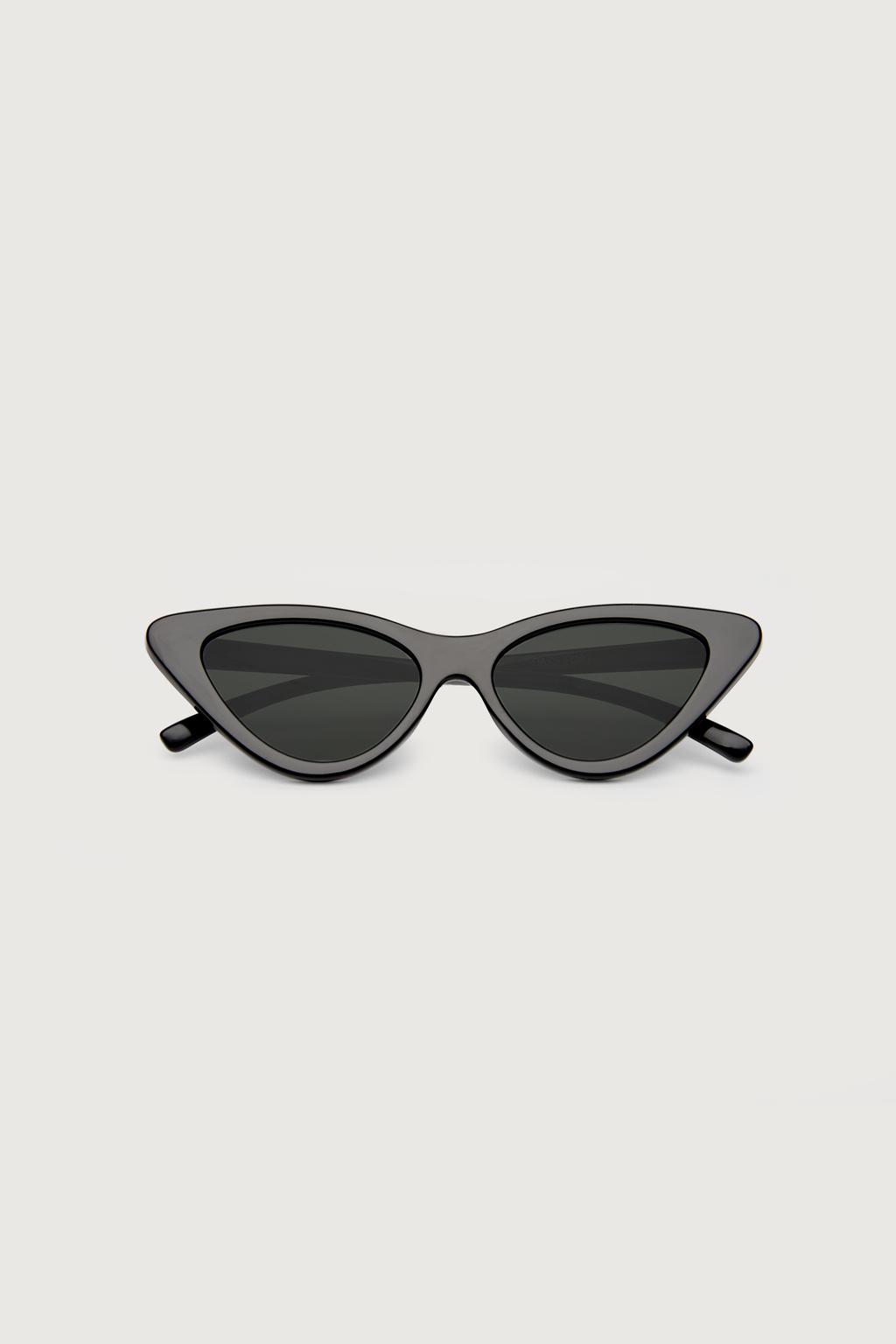 Cat-Eye: Sunglass 3369, $24, ca.oakandfort.com